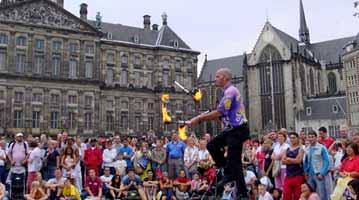הולנד אמסטרדם מוזיאונים החלונות האדומים